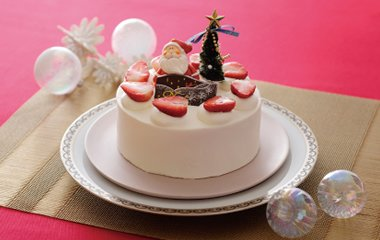 素材にこだわったガトー・フレーズ。ふんわりとしたスポンジにふわふわの生クリーム、イチゴをあしらったショートケーキ。