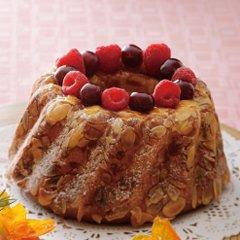 素材にこだわったガトー・フレーズ。ふんわりとしたスポンジにふわふわの生クリーム、大粒のイチゴをあしらったショートケーキ。