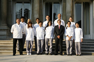 Le Cordon Bleu President/CEO Andre Cointreau, Chef Patrick Martin and Students