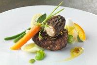 Fantaisie de ris de veau pané aux morilles, fraîcheur de légumes au beurre d'agrumes