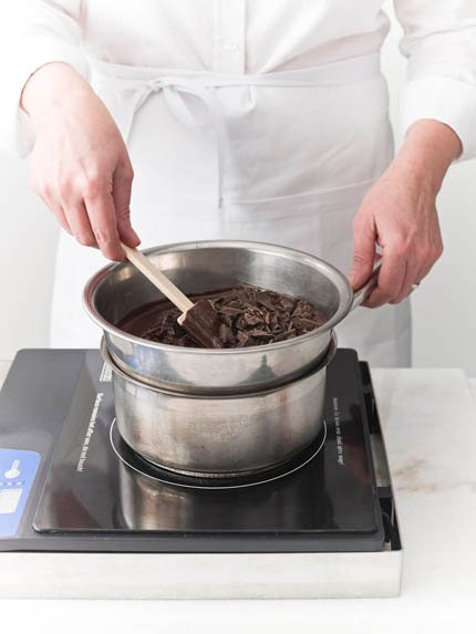 technique tempering chocolate