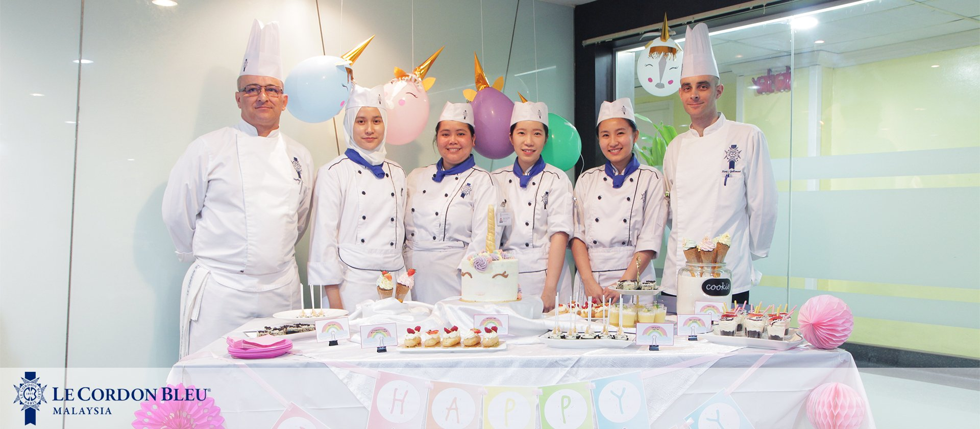 Diploma in Pastry Arts graduating students for the term had the opportunity to showcase their work to 30 members of the Ikebana Society KL Chapter.