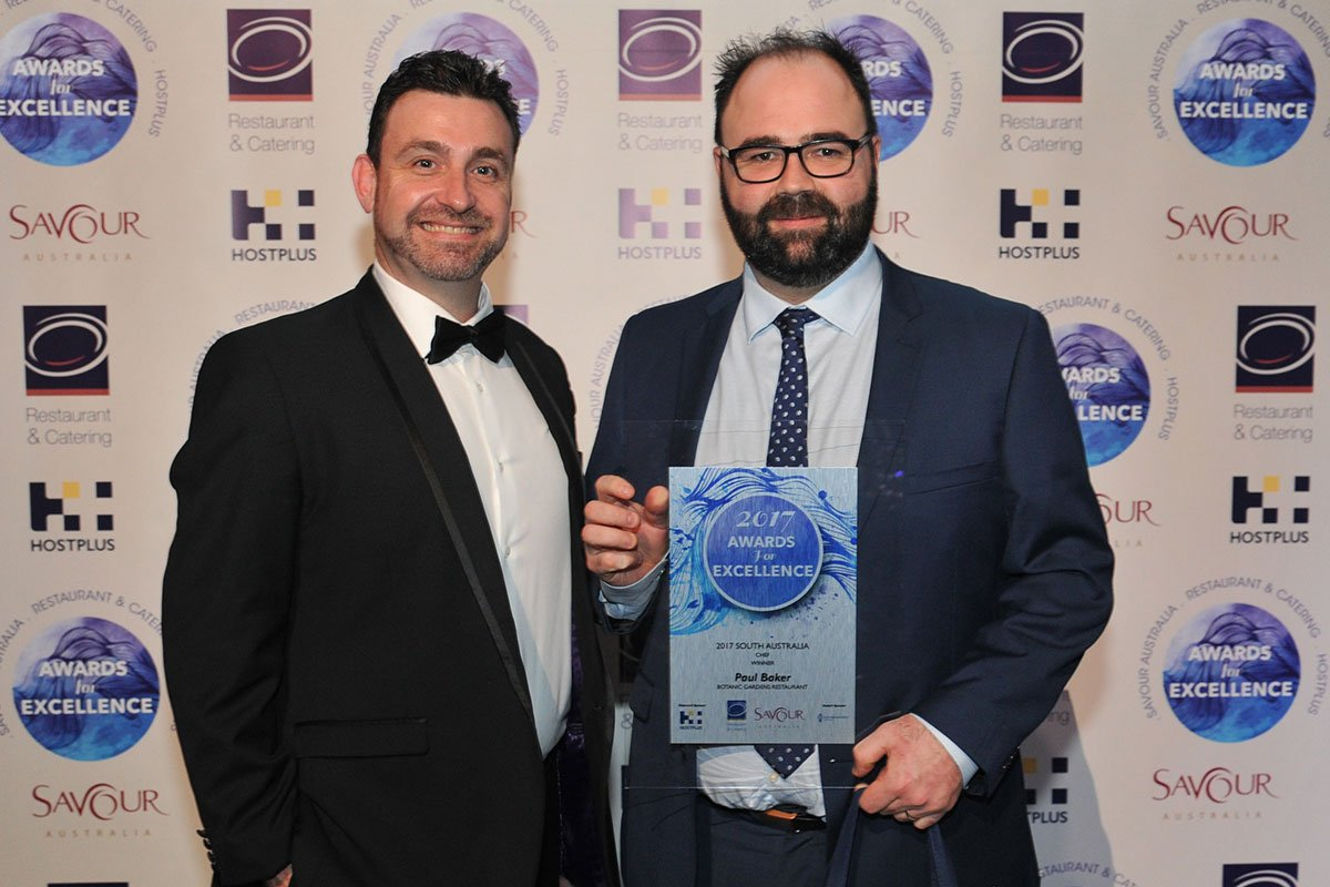 National Career Services Manager, Le Cordon Bleu Australia, Ben Mayne presented the 'Chef of the Year' award to Paul Baker from Botanic Gardens Restaurant.