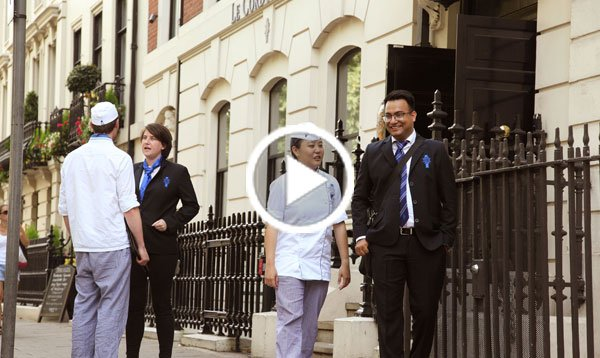 le cordon bleu students in front of the school