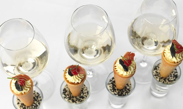 canapes and wines