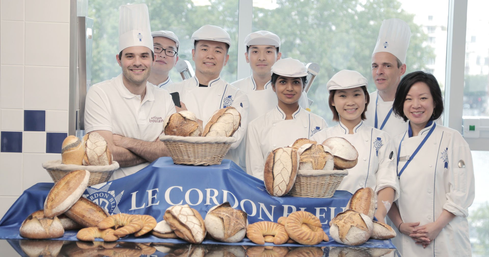 Guest chef Guillaume Felez and the boulangerie students
