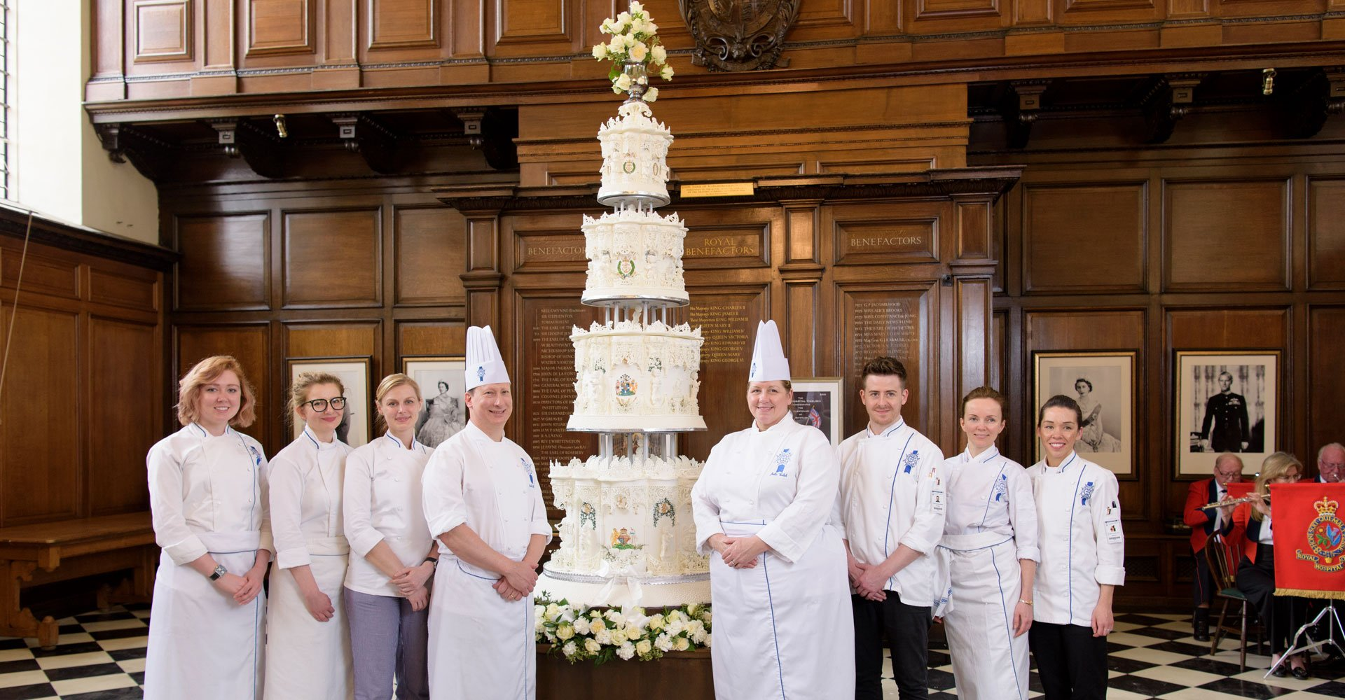 1947 royal wedding cake recreation with le cordon bleu team