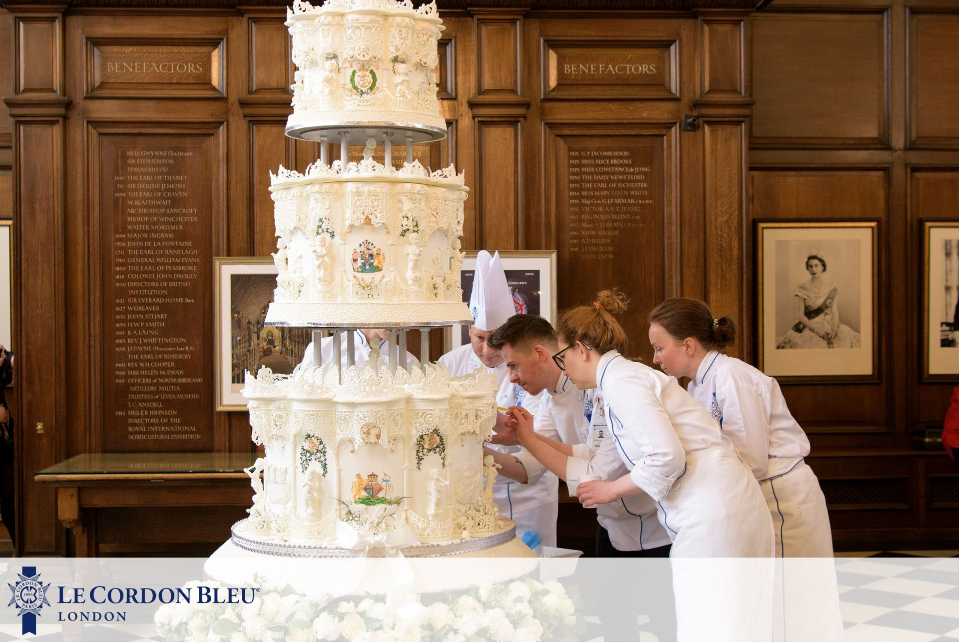 Le Cordon Bleu London's cake fit for a queen