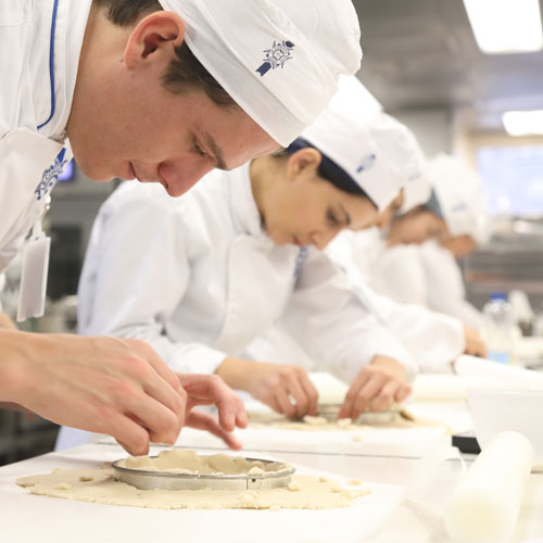 students in pastry course