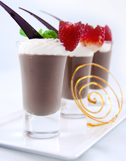Recipe - Smooth chocolate cream, cardamom flavored chantilly