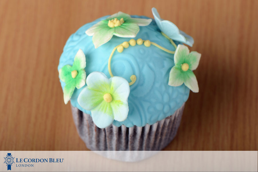 Cake Decor Zimbabwe : Cake Decorating